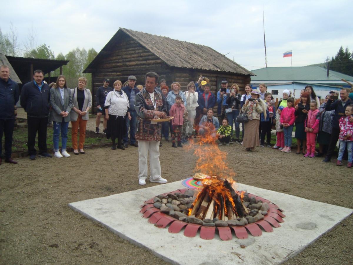 В Кузбассе на базе Центра духовной культуры «Эне Таг» открылась этническая шорская деревня