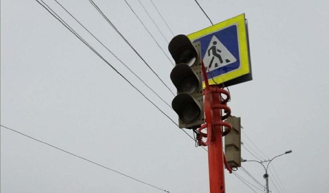 В Прокопьевске на оживленном перекрестке временно отключен светофор
