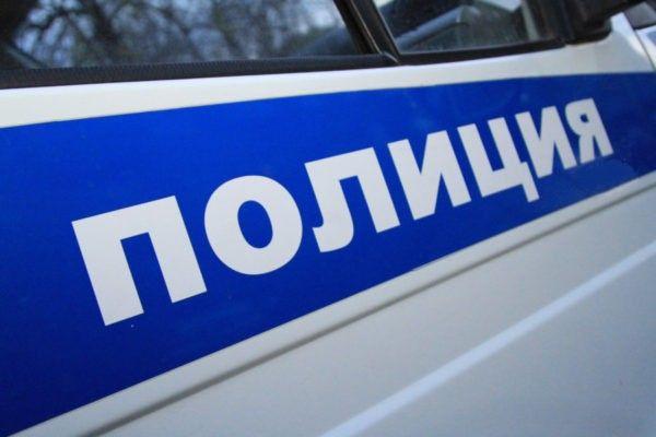 В Прокопьевском районе полиция разыскивает водителя, который повредил несколько надгробий на кладбище