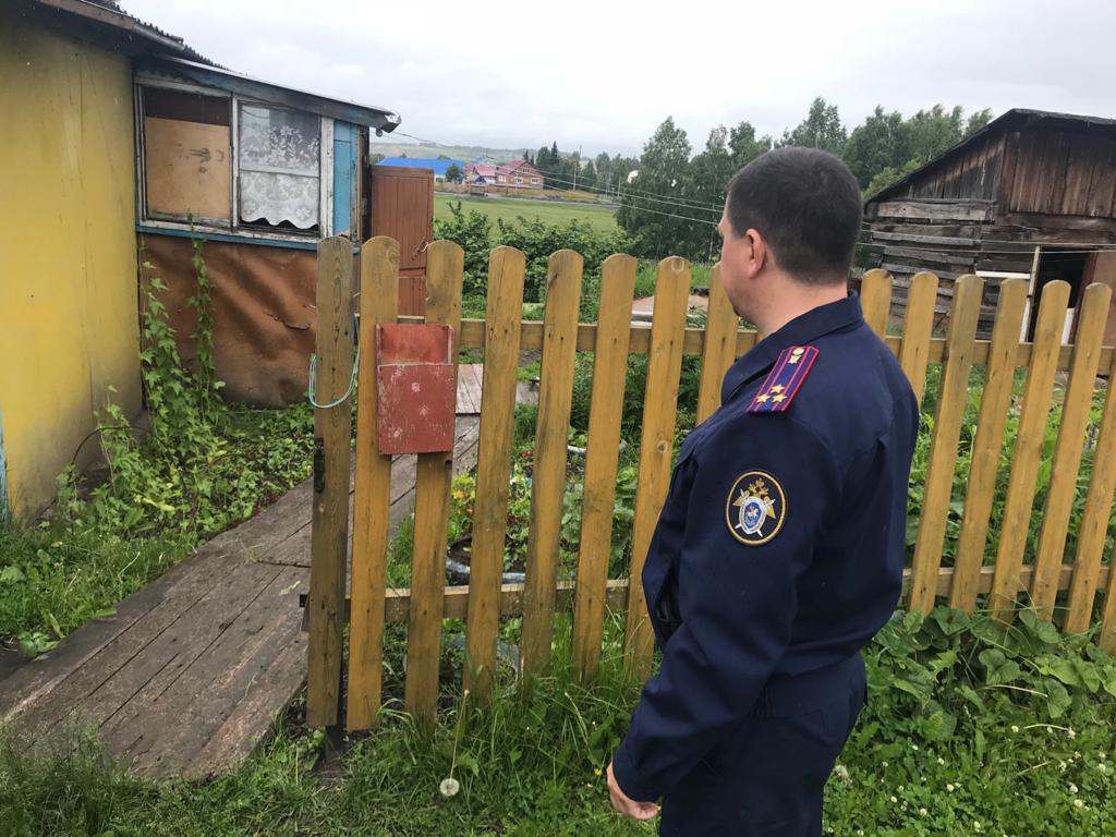 В Прокопьевском районе убита 33-летняя женщина с 8-летним сыном