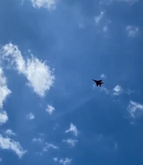 """В небе над Прокопьевском горожане заметили """"Стрижа"""" (видео)"""