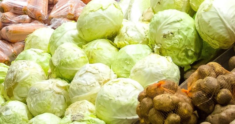 В Кузбассе за неделю подорожали колбаса, молоко, морковь и яблоки