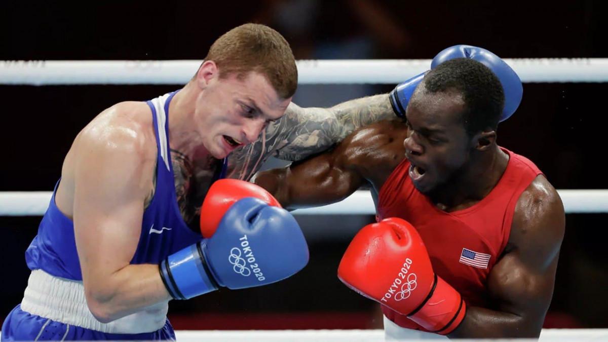 На Олимпиаде в Токио кузбасский боксер вышел в четвертьфинал соревнований