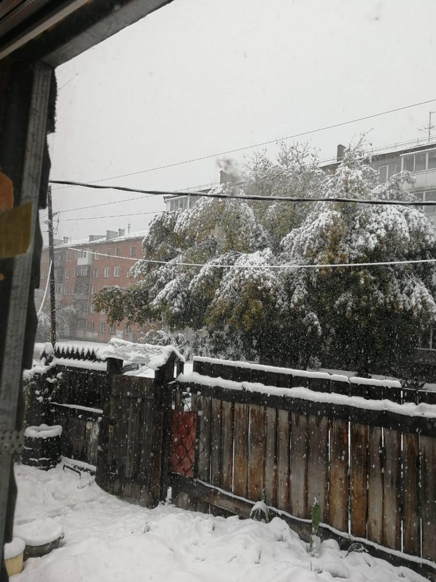 Синоптики: ожидается снег и гололедица