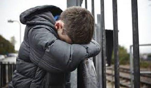 В Кузбассе мужчина по ошибке избил школьника из-за дочери