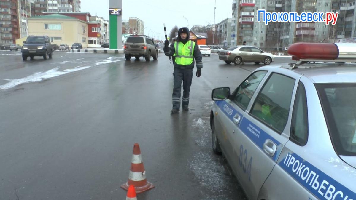В каких случаях сотрудник ГИБДД имеет право остановить автомобиль? (сюжет)