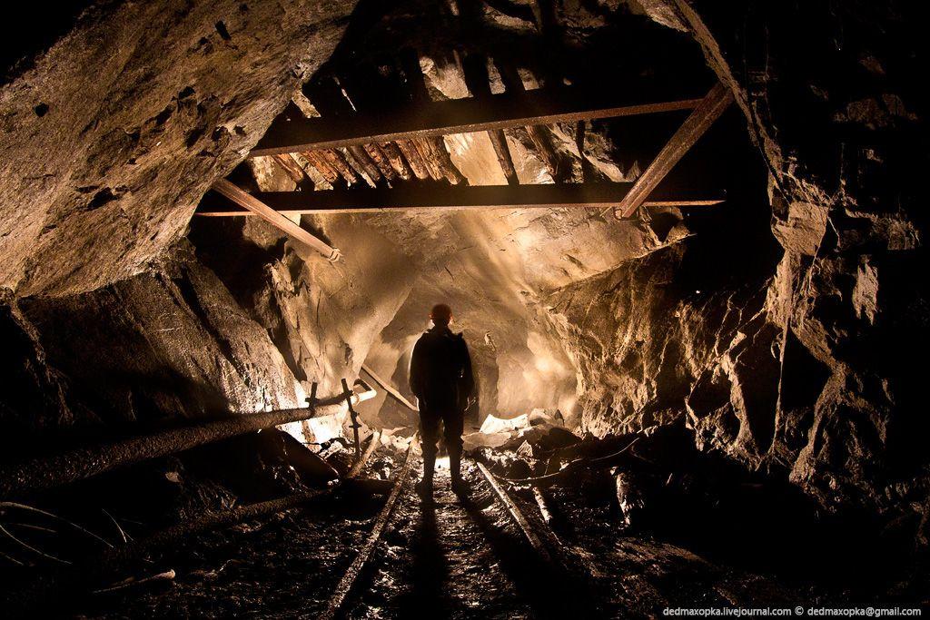 СМИ: в Кузбассе двое диггеров спустились в закрытую шахту и попали в ловушку