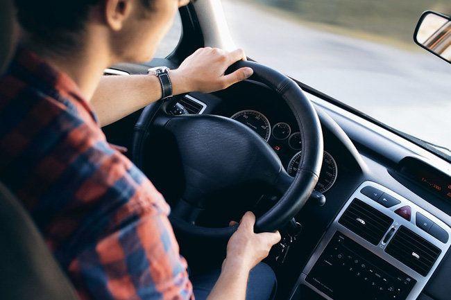 В России водителей поделят на любителей и профессионалов