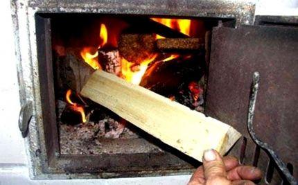 """Как избежать """"печных пожаров"""": МЧС Кузбасса о том, как правильно эксплуатировать печь"""