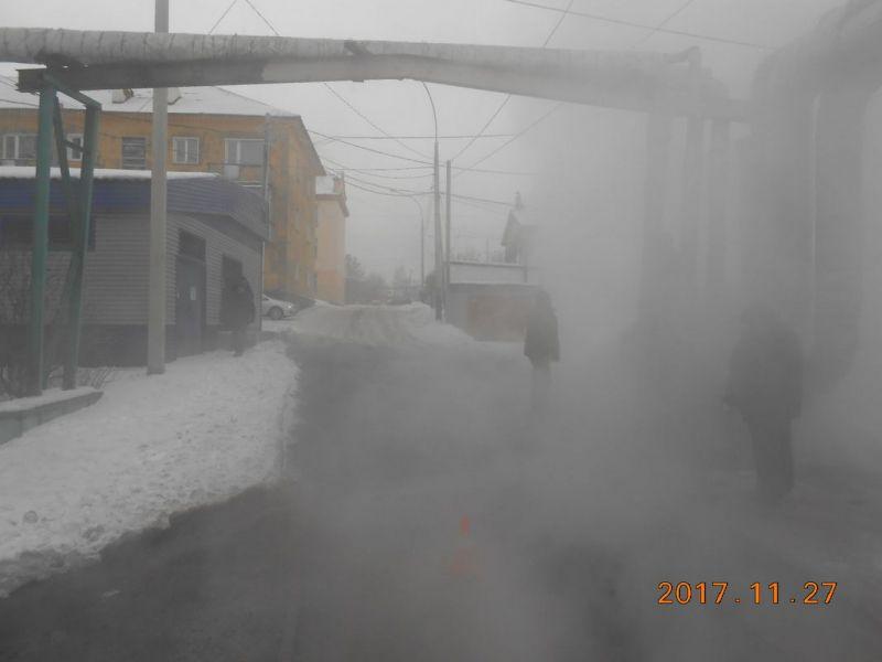 В Прокопьевске водитель грузовика повредил теплотрассу и скрылся с места происшествия