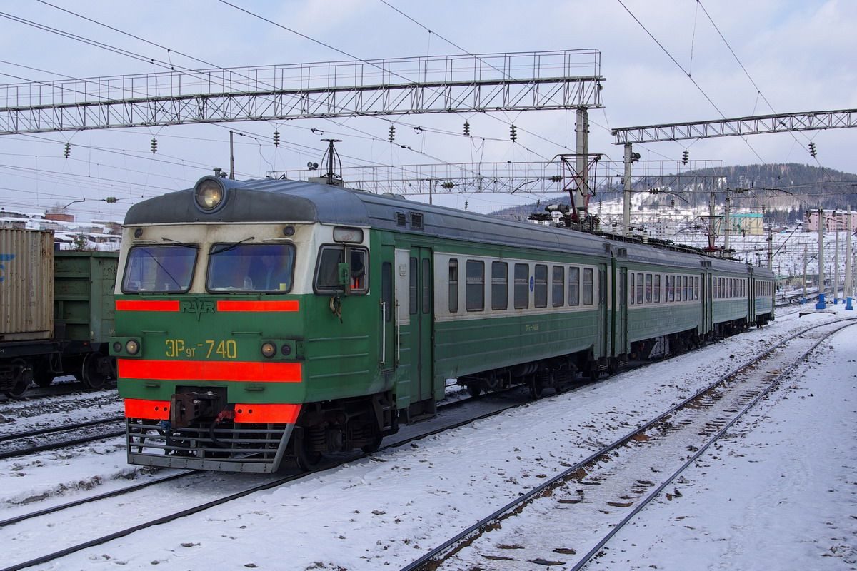 В Кузбассе поезд насмерть сбил 14-летнюю школьницу