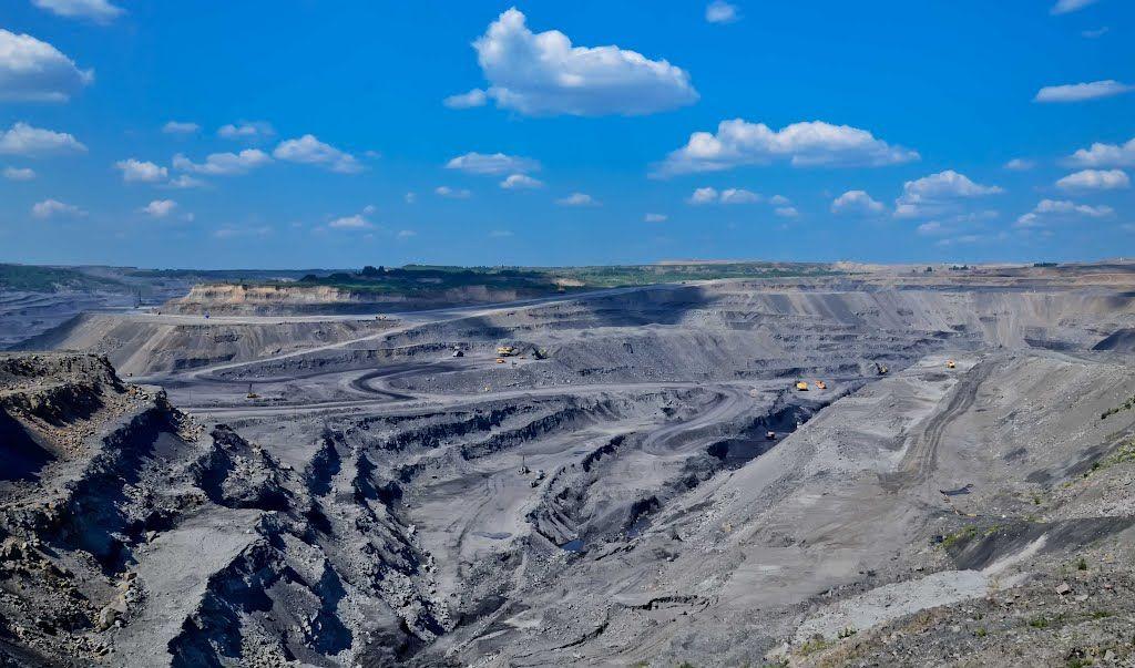 Аман Тулеев развеял слухи о возможной открытой добыче угля в Кузбассе рядом с жилыми кварталами