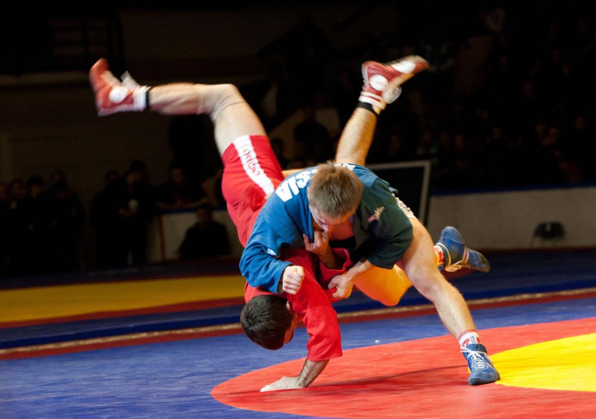 Прокопьевские самбисты привезли с соревнований 17 медалей