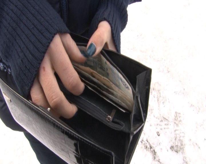 Полиция Прокопьевска задержала грабителя, который днем на улице напал на пенсионерку