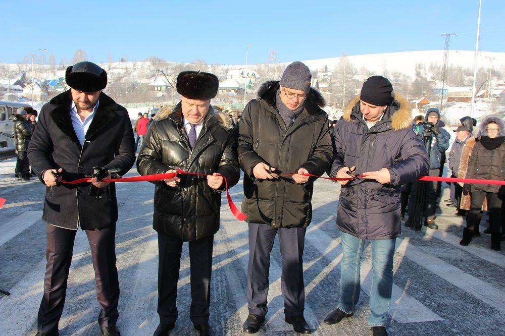 В Таштаголе торжественно открыли новый мост через Кондому