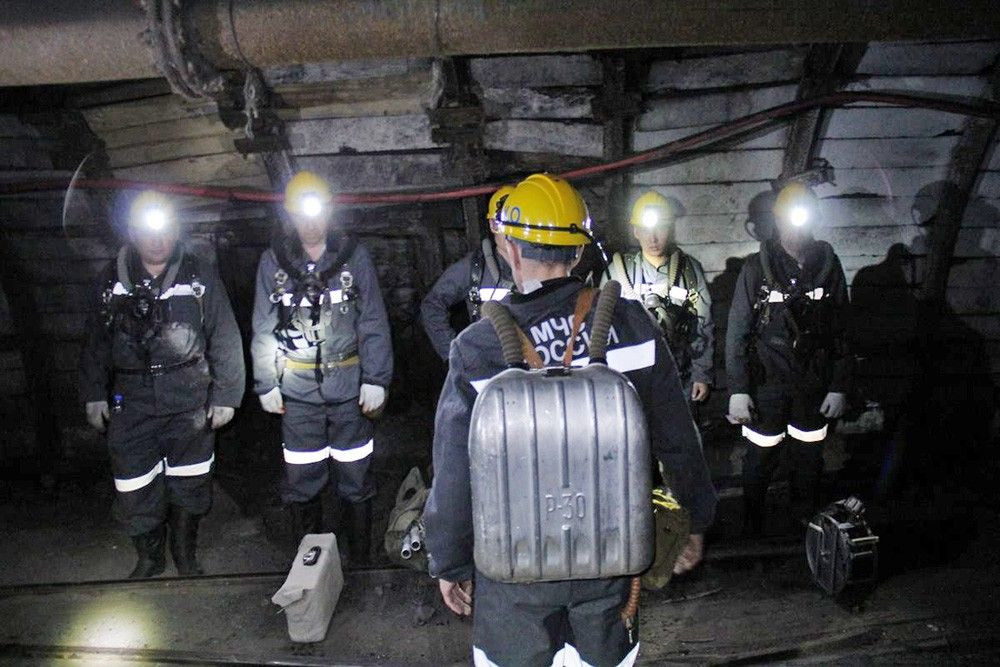 ЧП на шахте Кузбасса: после обрушения три человека оказались под завалом