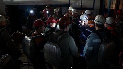 Более 90 человек и 15 единиц техники задействованы в спасательной операции на шахте Кузбасса