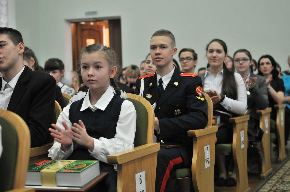 Прокопьевская школьница стала лауреатом губернаторской премии «Достижения юных»