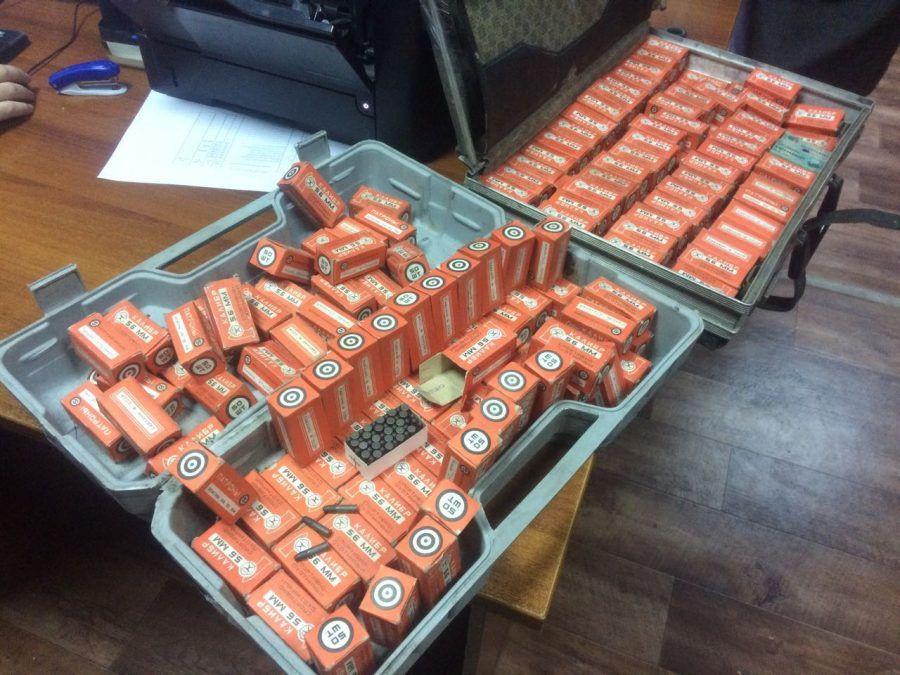 В Кузбассе пенсионерка сдала в полицию 9 тысяч патронов