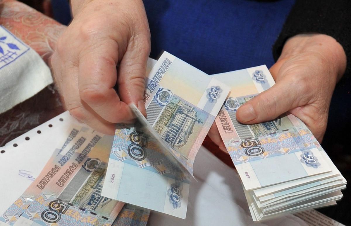 Владимир Путин утвердил сроки повышения МРОТ до прожиточного минимума