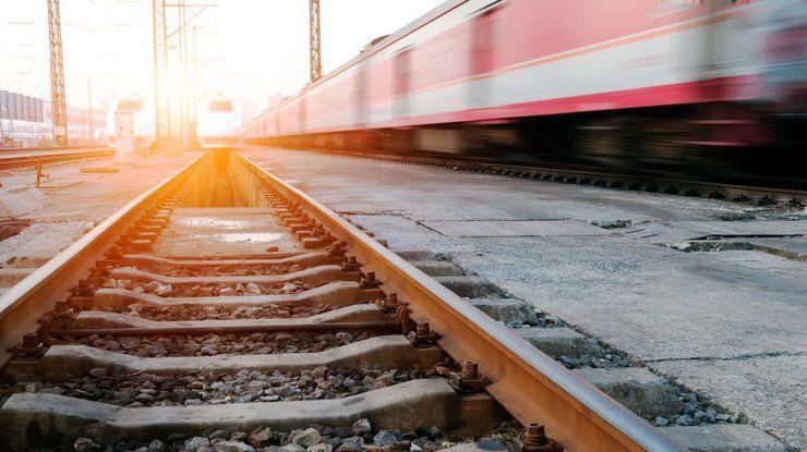 В Кузбассе 14-летнюю школьницу сбил поезд