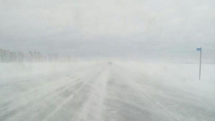 В Кузбассе из-за непогоды перекрыли для движения транспорта некоторые дороги