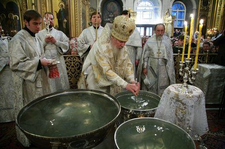 Как будет работать общественный транспорт во время праздничного богослужения на Крещение