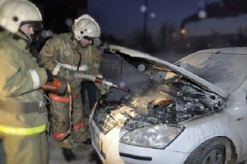 В Кузбассе за сутки загорелись 4 автомобиля