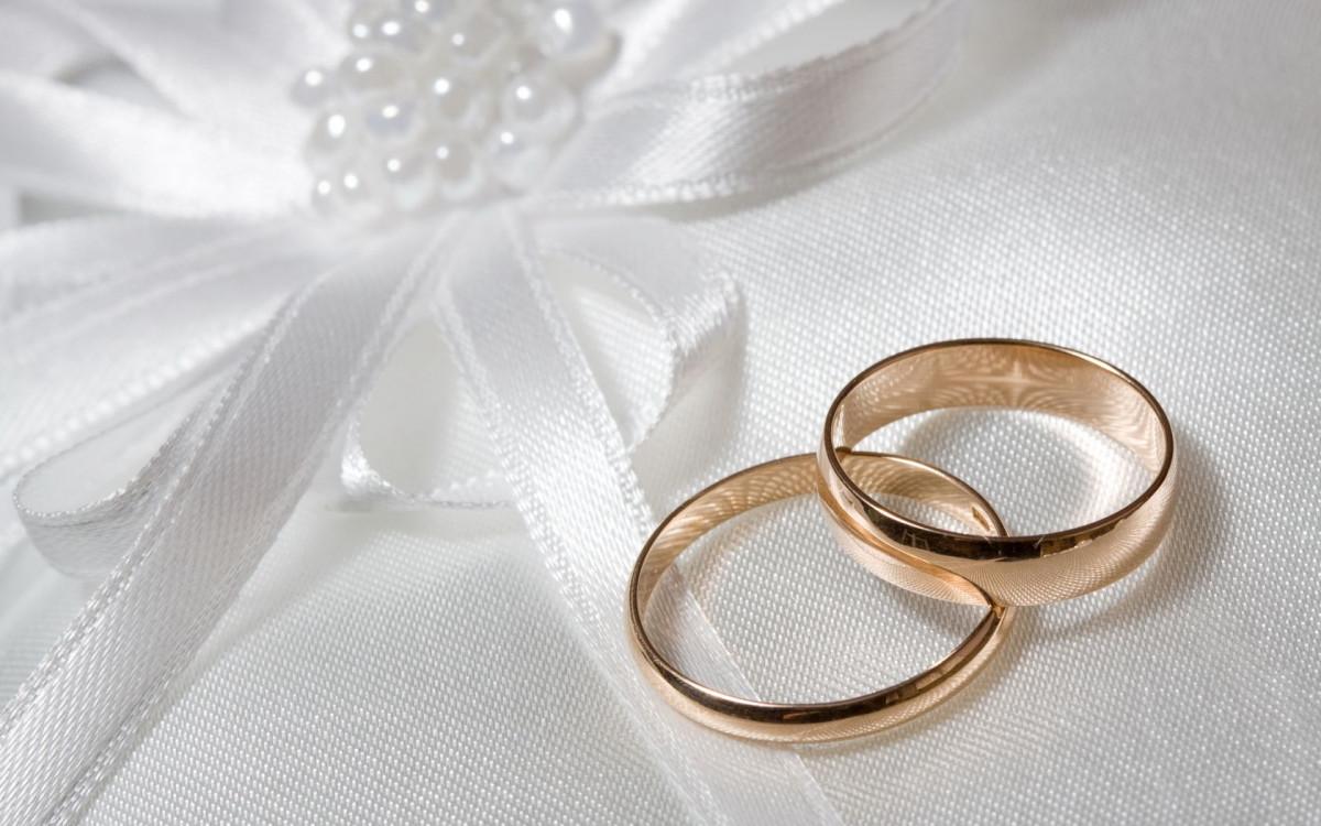 В Кузбассе молодожены, вступившие в брак в день рождения области, получат денежный подарок