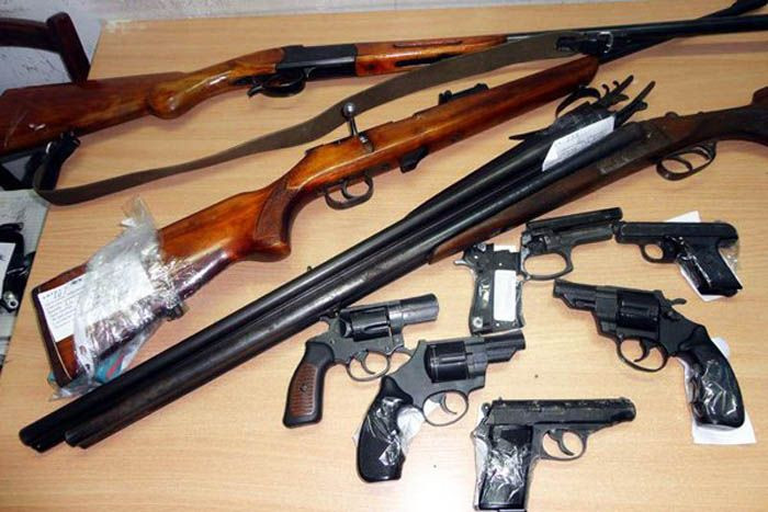 Прокопчане сдали в полицию оружие и получили в общей сложности 160 тысяч рублей