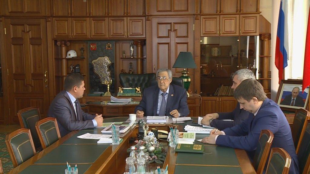 План развития Прокопьевска обсудили губернатор Аман Тулеев и глава города Андрей Мамаев