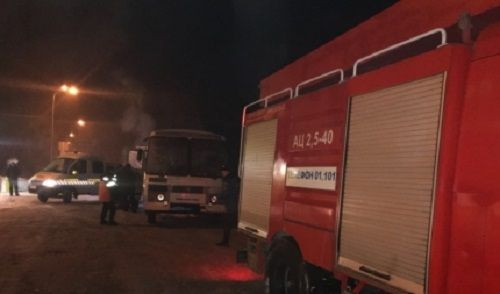 Кемеровские пожарные помогли пассажирам заглохшего натрассе автобуса