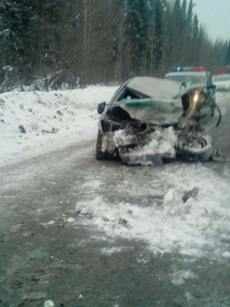 Смертельное ДТП в Кузбассе: столкнулись фура и легковой автомобиль