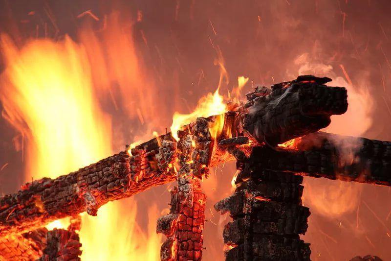 В Прокопьевске при пожаре погиб мужчина