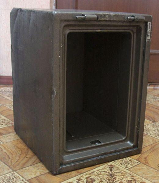 Прокопчанин съездил на такси в другой город, чтобы украсть 70-килограммовый сейф с деньгами