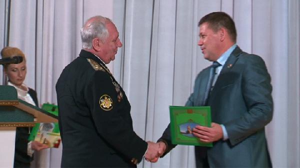В преддверии Дня защитника Отечества 50 прокопчан получили награды