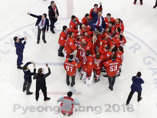 СМИ: хоккеистов могут наказать за исполнение гимна России на Олимпиаде