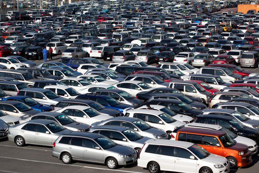 Названы автомобили, которые менее всего теряют вцене в РФ