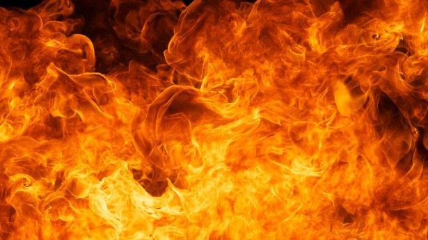 В Прокопьевске загорелся автомобиль