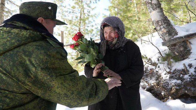 Аман Тулеев поздравил с женским днем таежную отшельницу