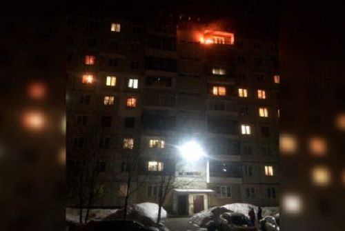 В Кузбассе из-за фейерверка загорелась 9-этажка