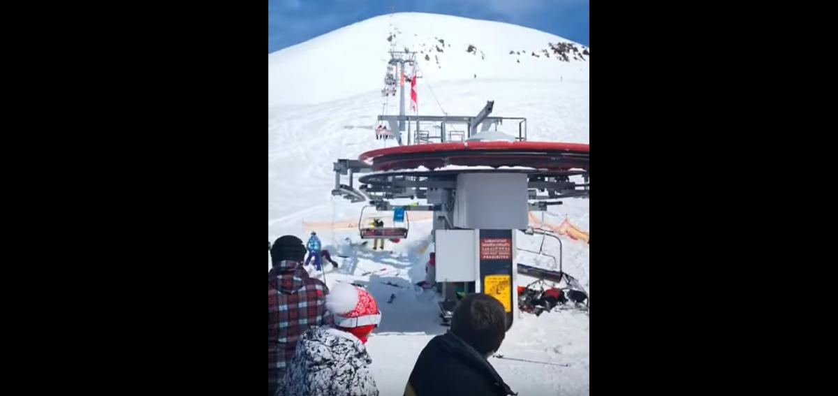 """На популярном грузинском горнолыжном курорте """"взбесилась"""" канатная дорога (видео 18+)"""