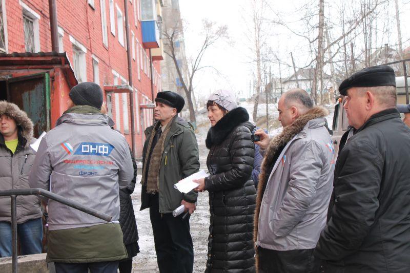 Реализацию программ благоустройства и капитального ремонта в Прокопьевске и Юрге проверили активисты ОНФ