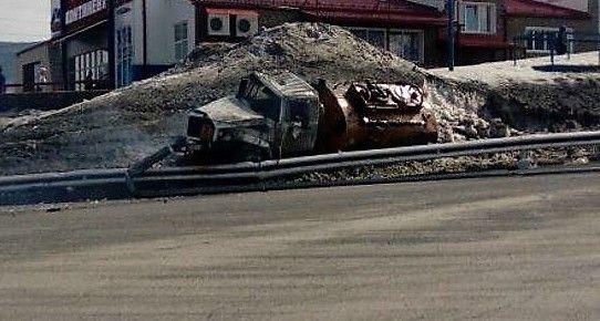 В Кузбассе перевернулся масловоз: из цистерны вылилось около 300 литров ГСМ