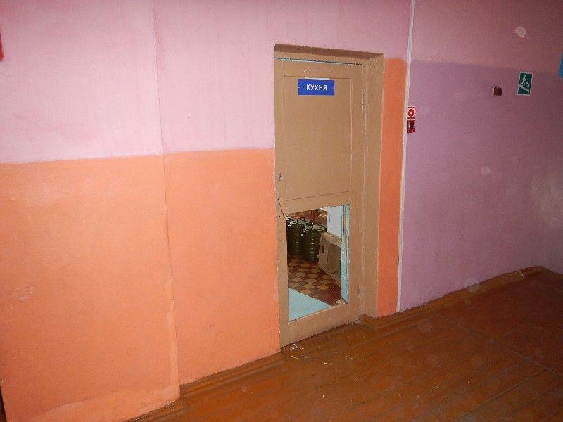 СМИ: в Прокопьевске расстроенные школьницы обворовали столовую