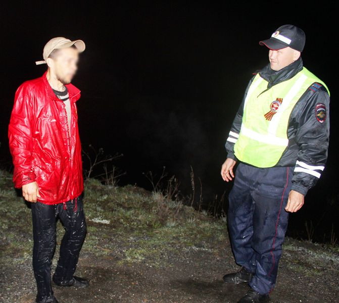 Кузбассовец хотел помыть руки в реке и едва не утонул