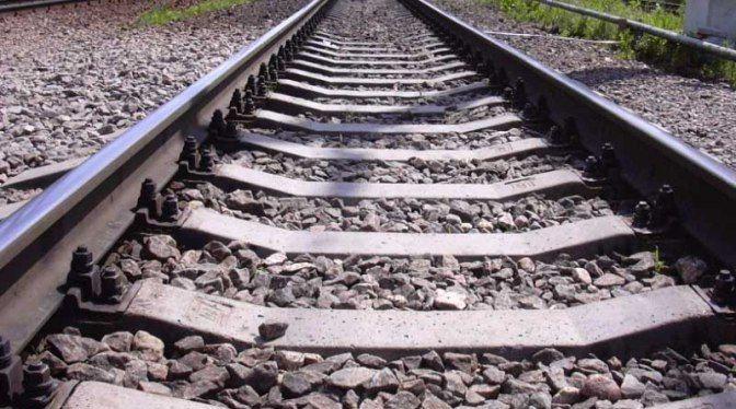 Два прокопчанина повредили около 300 метров действующего железнодорожного пути