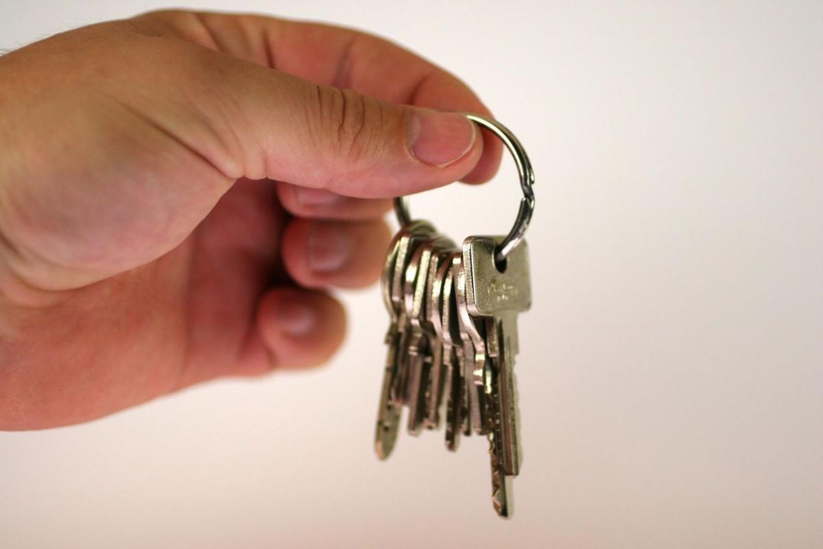 Прокопчанка обворовала и сдала в аренду чужую квартиру