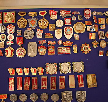 В Прокопьевске открылась уникальная выставка значков