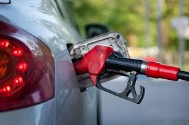 Вице-премьер Дмитрий Козак рассказал о ситуации с ценами на бензин в России
